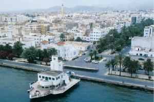 Antiguo club Nautico Español en el paseo marítimo de Nador